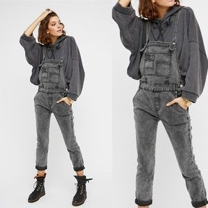 Worn 1x Free People Dark Washed Denim Overalls